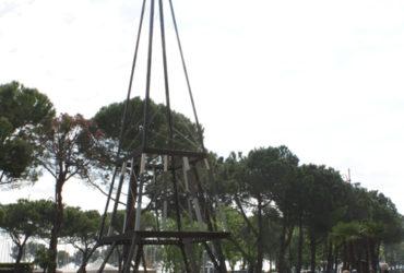 Parigi nel cuore di Desenzano, Tour Eiffel di dieci metri svetta nel centro città