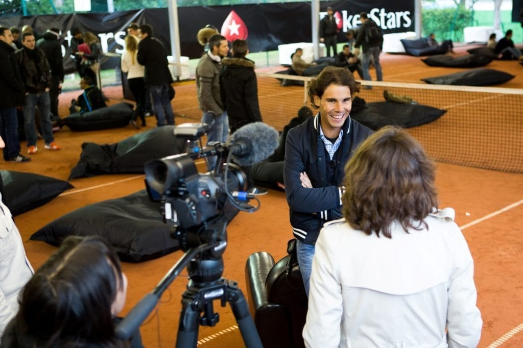 POKERSTARS - Nadal sfida 100 suoi fan a Parigi