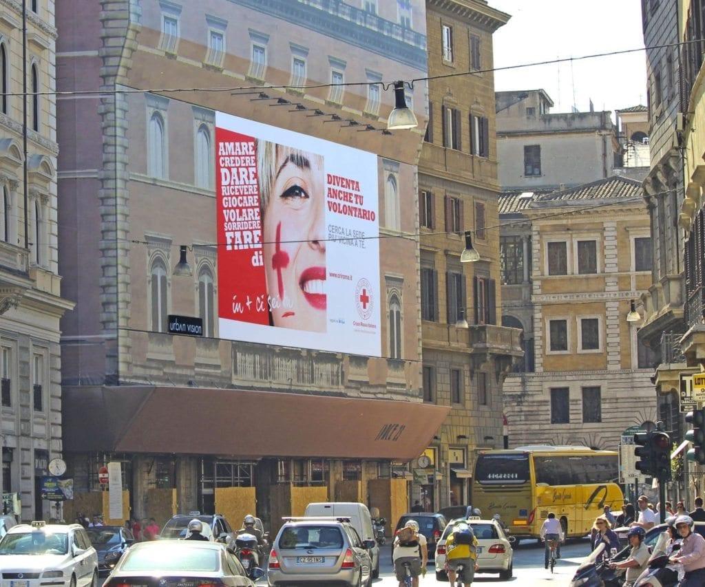 A Roma la campagna della CRI in collaborazione con Urban Vision