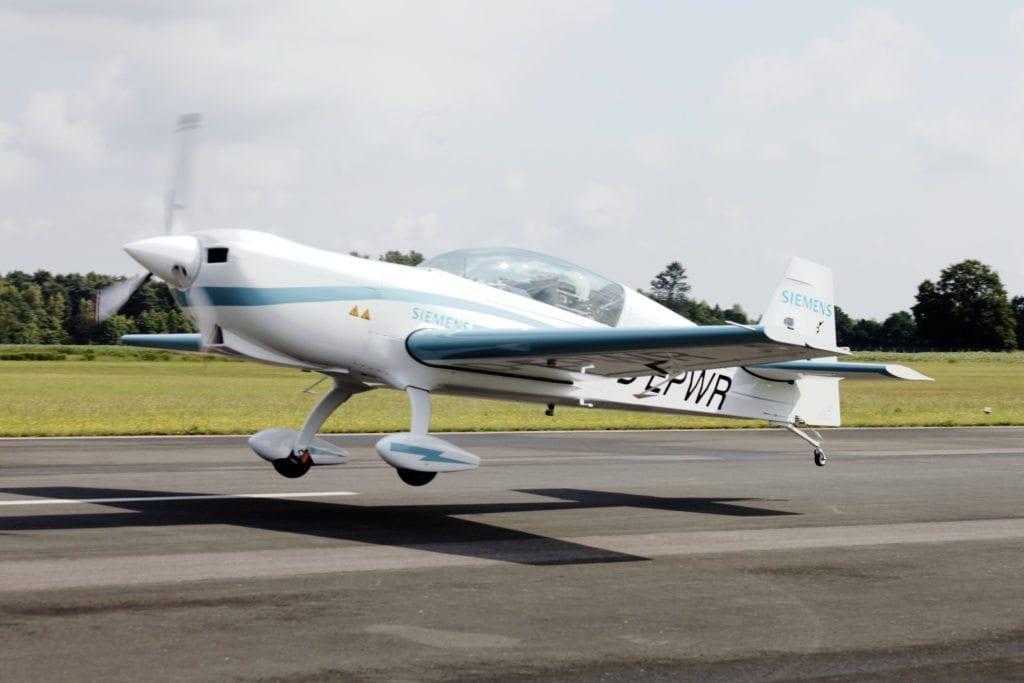 Mobilità aerea: Siemens realizza il primo motore elettrico per velivoli ibridi 2