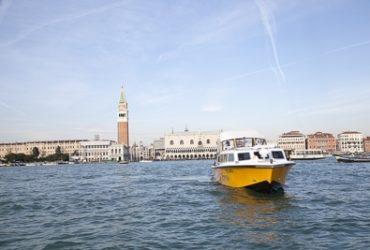 Venezia sempre più smart: presentata 'Scossa', battello elettrico per il trasporto pubblico in laguna