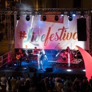 http://www.spencerandlewis.com/wp-content/uploads/2017/07/concerto-sagi-rei-livefestival-citta-santangelo-village-outlet-11-300x300.jpg