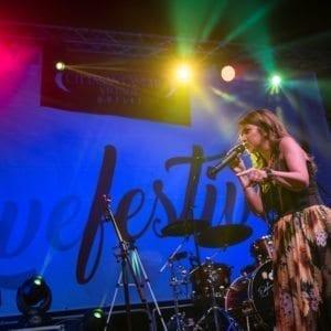 http://www.spencerandlewis.com/wp-content/uploads/2017/09/concerto-cristina-davena-livefestival-citta-santangelo-village-outlet-6-300x300.jpg