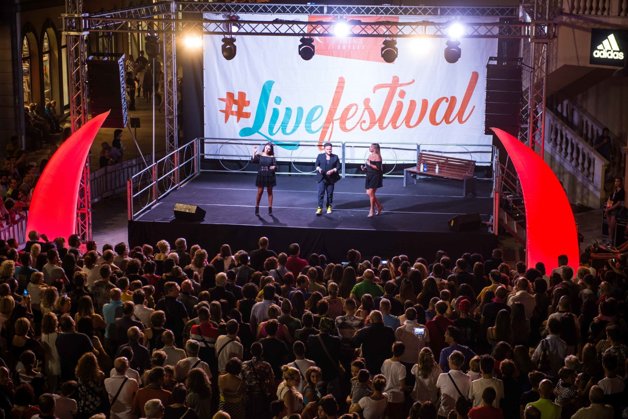 SERATA CON I COMICI DI MADE IN SUD - #LIVEFESTIVAL @ CITTA' SANT'ANGELO VILLAGE OUTLET 1