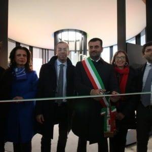 http://www.spencerandlewis.com/wp-content/uploads/2017/12/il-viaggio-della-costituzione-bari-5-300x300.jpg