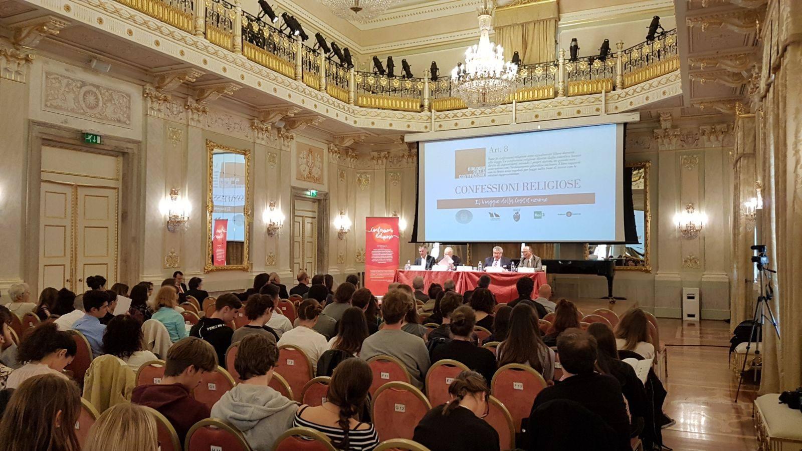 """""""Dialoghi sulla Costituzione"""": a Venezia il confronto sulle Confessioni religiose"""