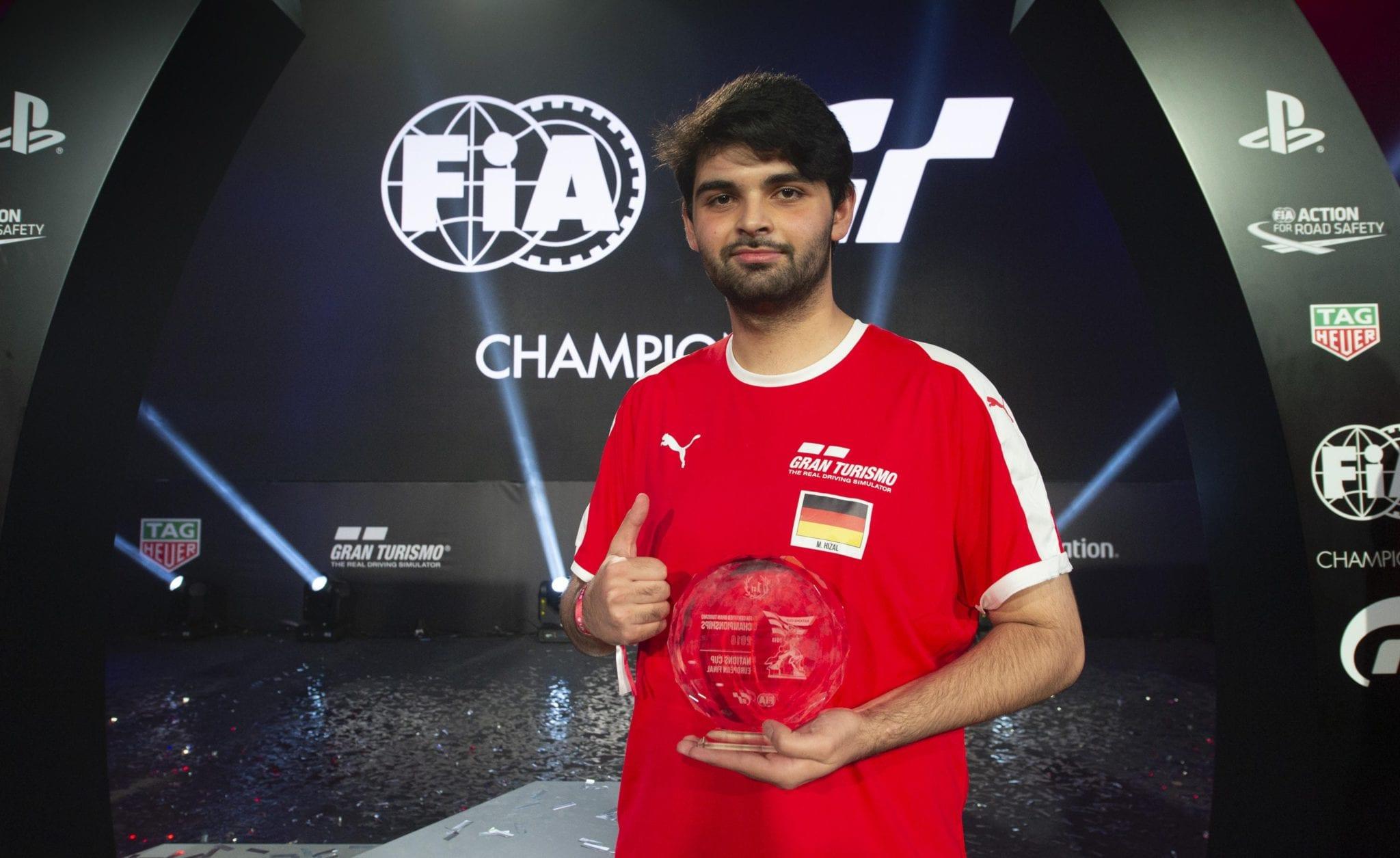 FIA GT CHAMPIONSHIP: L'ITALIA SUL PODIO DELLE FINALI EUROPEE CON IL TERZO POSTO DI GIORGIO MANGANO
