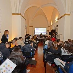 """""""Dialoghi sulla Costituzione"""": ad Assisi il dibattito sulla Pace"""